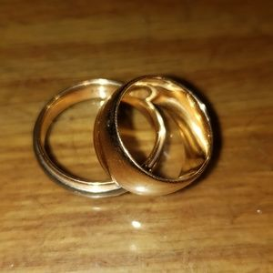 One Vintage Semi Wide Band Gold Ring